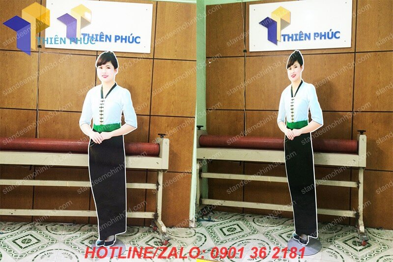 lam standee hinh nguoi gia re
